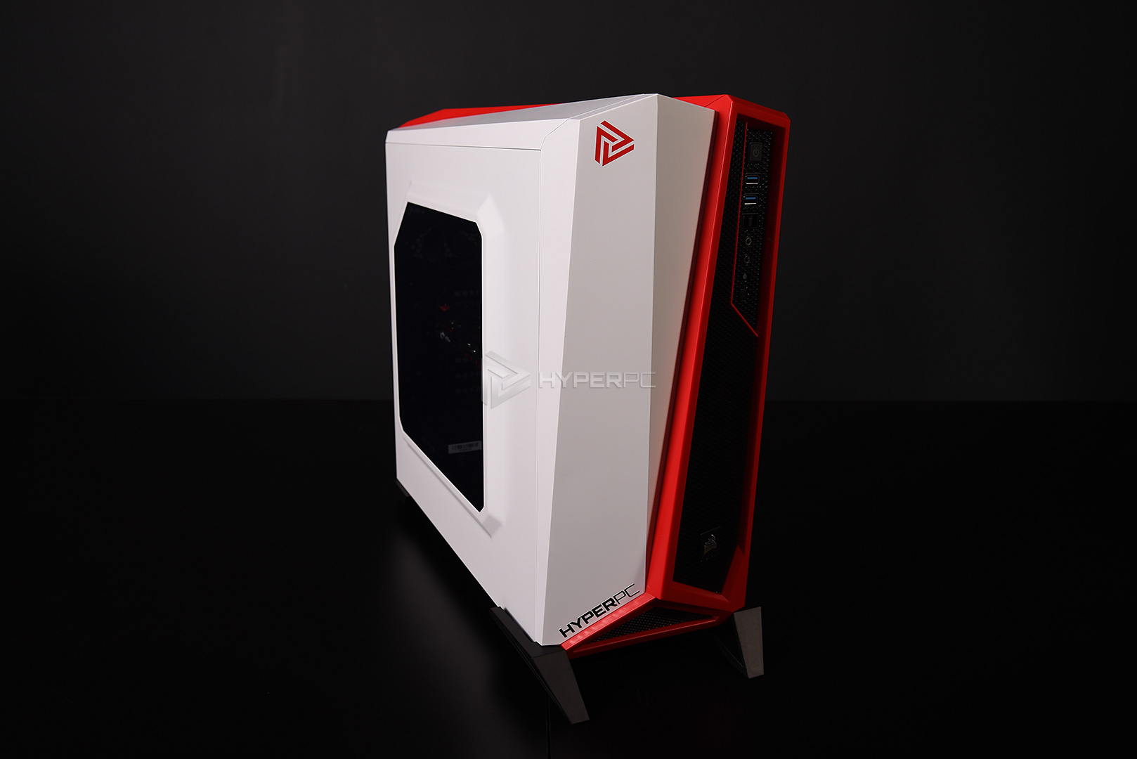 corsair spec-alpha white-red live photo 02