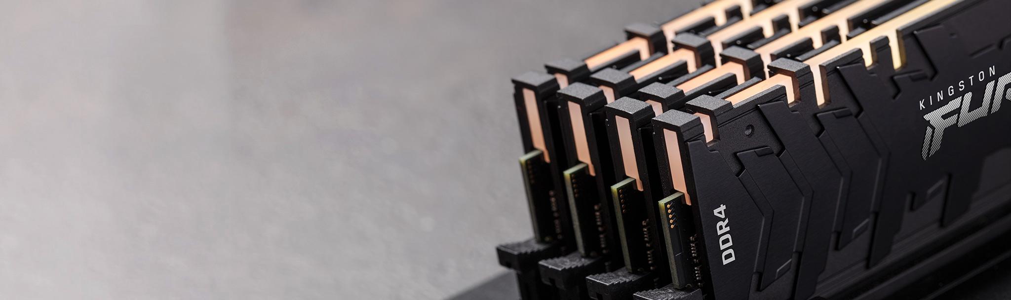 Оперативная память Kingston Renegade RGB DDR4-3600