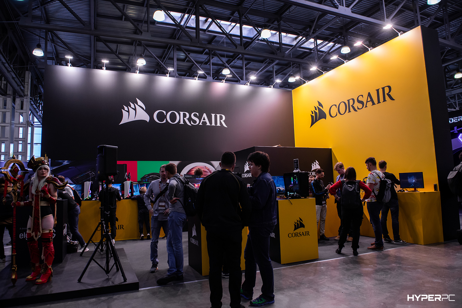 igromir-corsair-stand-live-photo-05