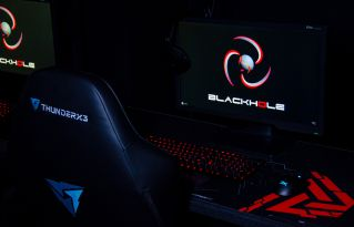 gaming-club-black-hole-photo-01