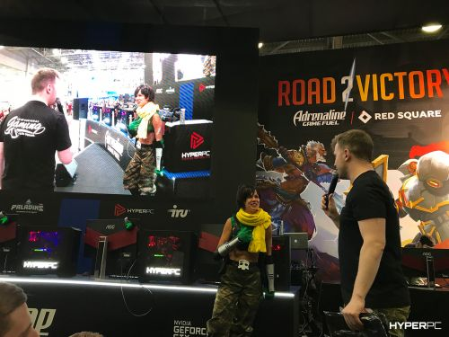 hyperpc on igromir 2017 red square photo 01