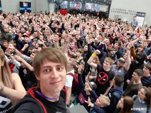 hyperpc on igromir 2017 red square photo 07